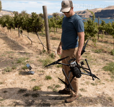 新型農業無人機三合一遙感相機ALTUM