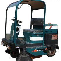 小型驾驶式电动扫地车