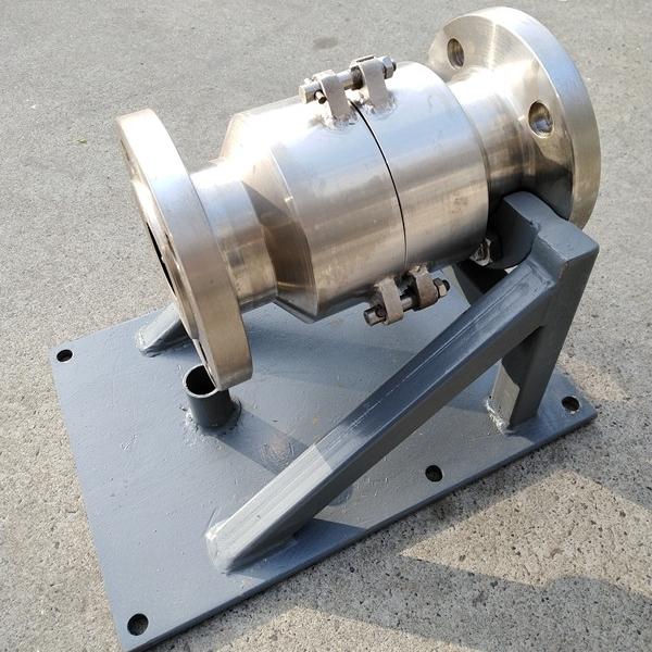 液氧充装防拉断装置
