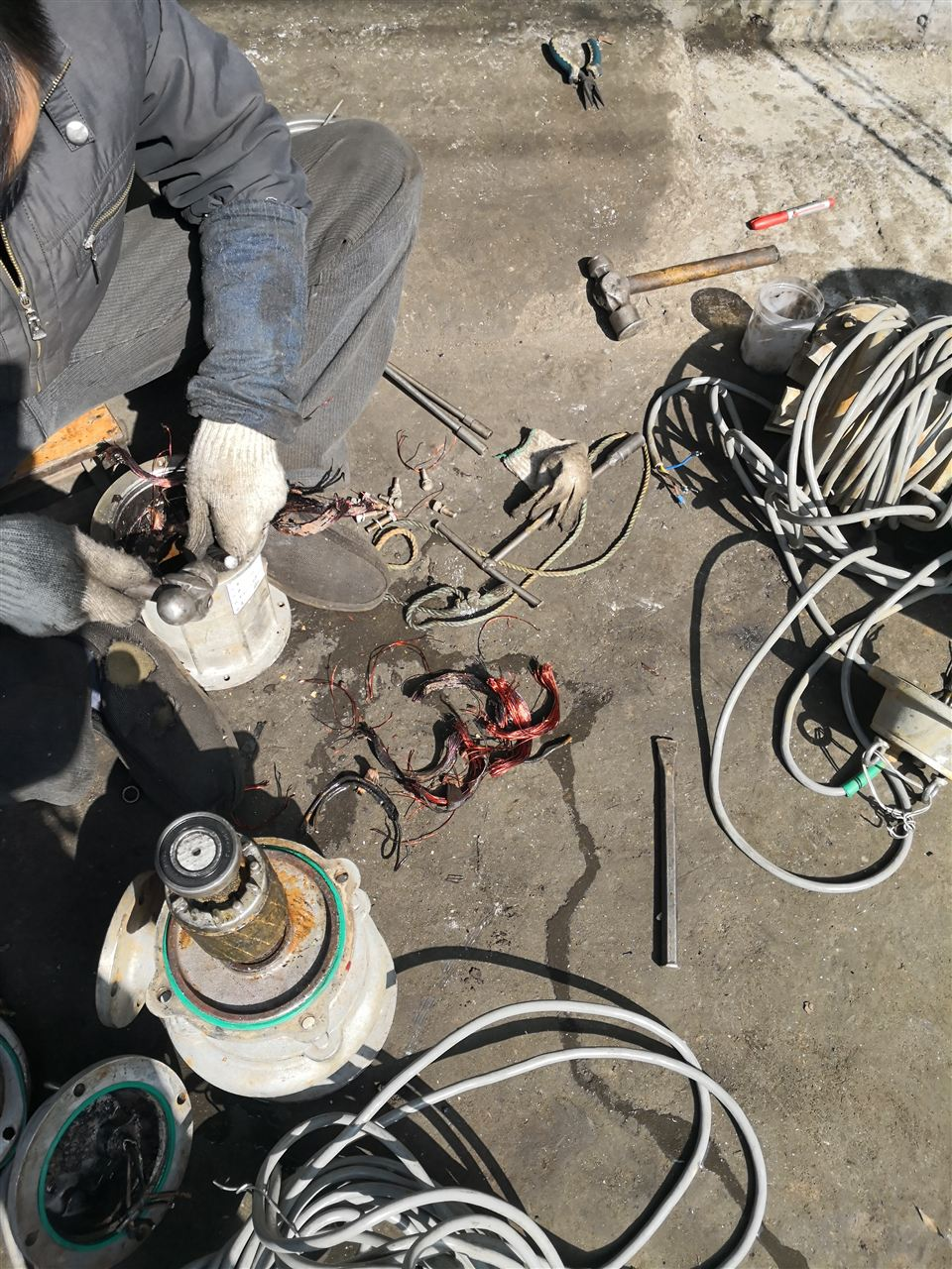 潜水泵电机烧毁的原因