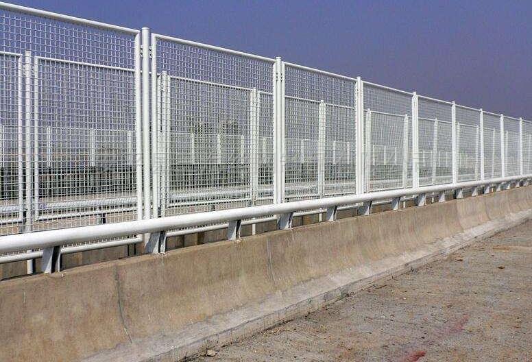 隔离围栏.园林围网.金属网护栏建筑防护设施